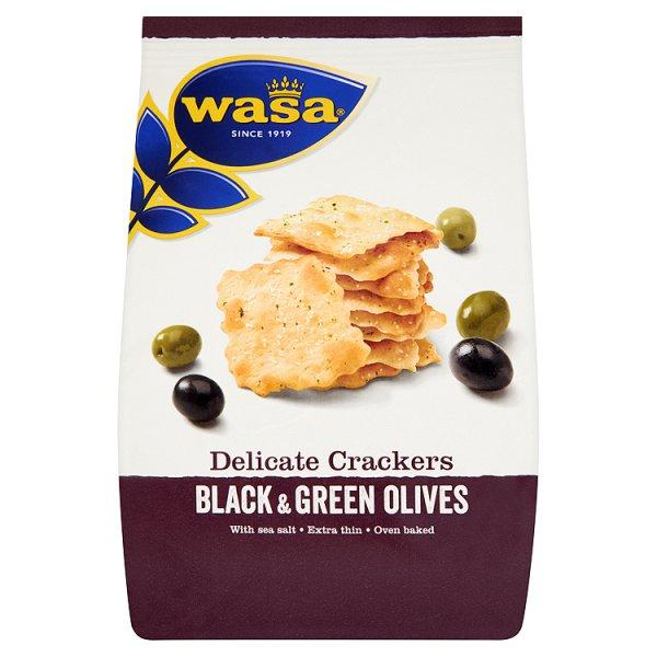 Ekstra cienkie krakersy z czarnymi i zielonymi oliwkami