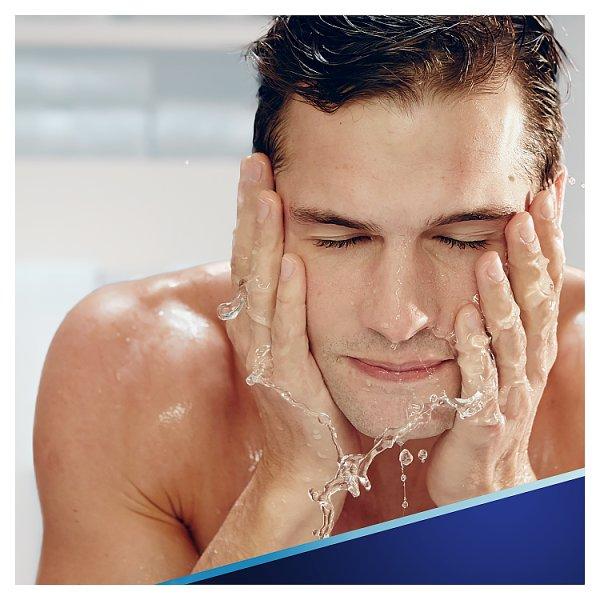 Gillette Series Sensitive Pianka do golenia dla mężczyzn 250 ml