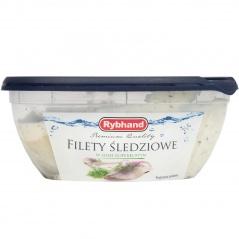 Filet śledziowy w sosie koperkowym królik, drób i warzywa